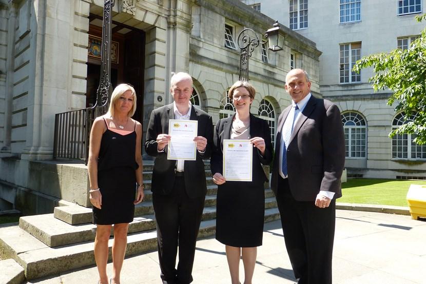 Leeds Health and Wellbeing Board signs up to homeless health charter: lesleyhowardmgrcrijohnwalshlmulherinchrisfieldsceostgeorge039scrypt4.jpg