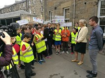 Environment Secretary Roseanna Cunningham is quizzed by pupils fomr Sciennes Primary School in Edinburgh about air pollution for National Clean Air Day