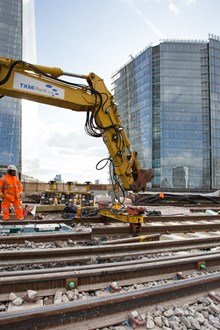 South East - Easter, Easter Final track slots into place at London Bridge: Final track slots into place at London Bridge