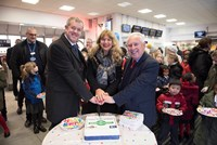 Bromley South station celebrates 160th birthday: Bromley160-cake-DW-Mayor-Bob-Neill