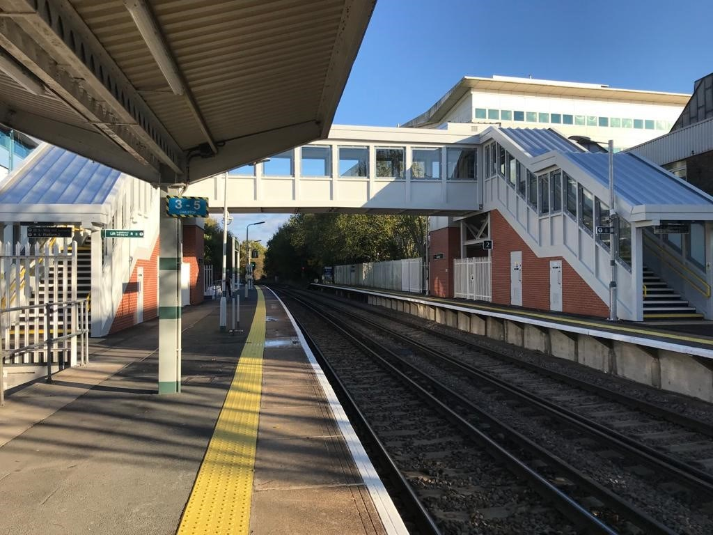 £3.9m upgrade at Crawley station improves accessibility for all passengers: Completed footbridge at Crawley station