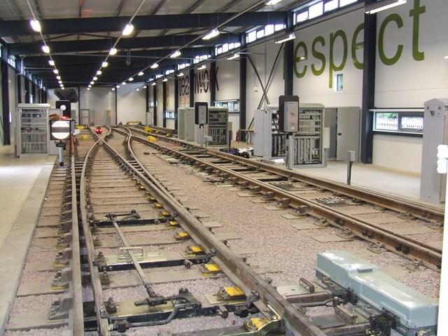EDUCATION SECRETARY OPENS £4M NETWORK RAIL TRAINING CENTRE: Larbert traing centre: indoor track