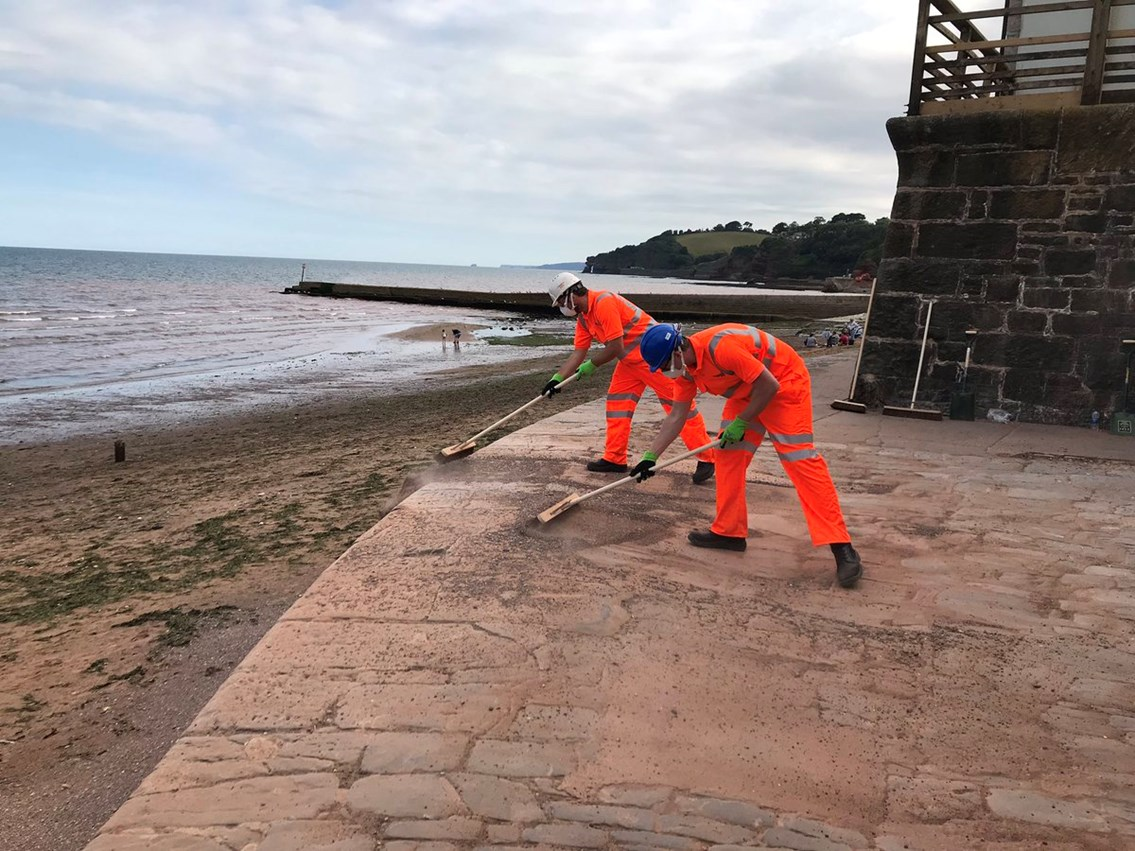 Dawlish beach clean