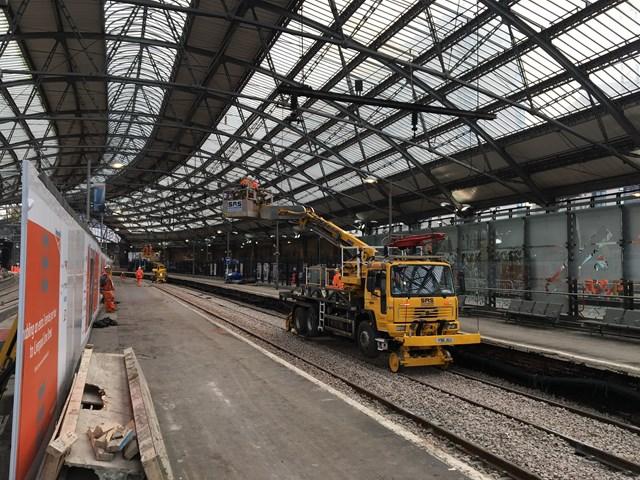 Liverpool Lime Street platform works Oct 2017-2