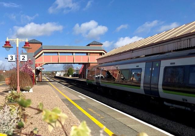 Stratford-upon-Avon platform 2