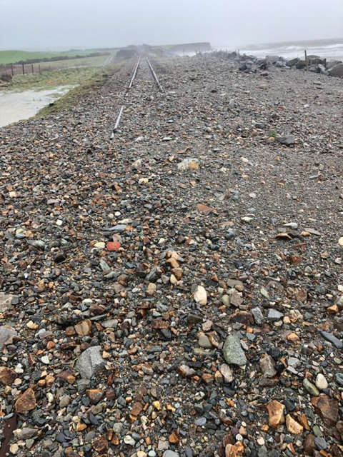 URGENT RAIL UPDATE – 8pm Monday 17 February: Rail customers should expect significant service delays and cancellations to continue on Tuesday 18 February: Criccieth