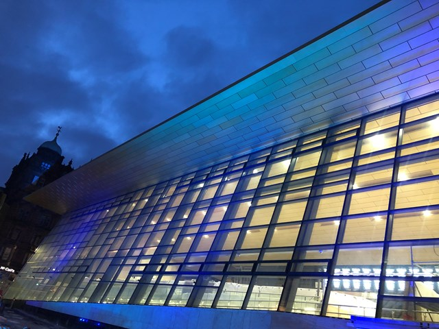 Glasgow Queen Street Station lights up for our NHS heroes: 8C75627B-63FD-4AC7-AECB-09D3C5B25724