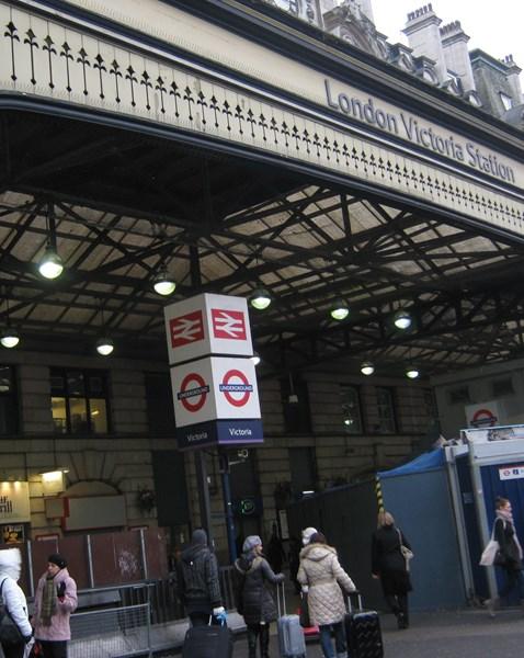 London Victoria Station_4