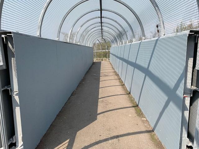 Widnes railway footbridge cleared from graffiti