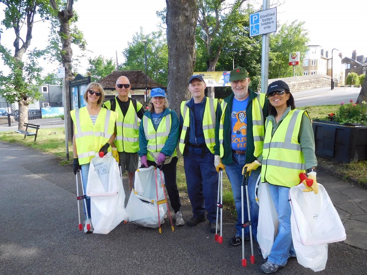 Guiseley Free Litter: Guiseley Free Litter volunteers picking litter