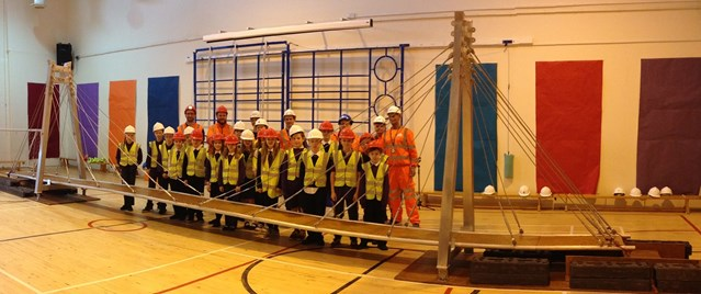 LINLITHGOW PRIMARY HAS BRIDGE TO ENGINEERING CAREERS: Linlithgow Bridge Primary take part in Bridges to Schools initiative
