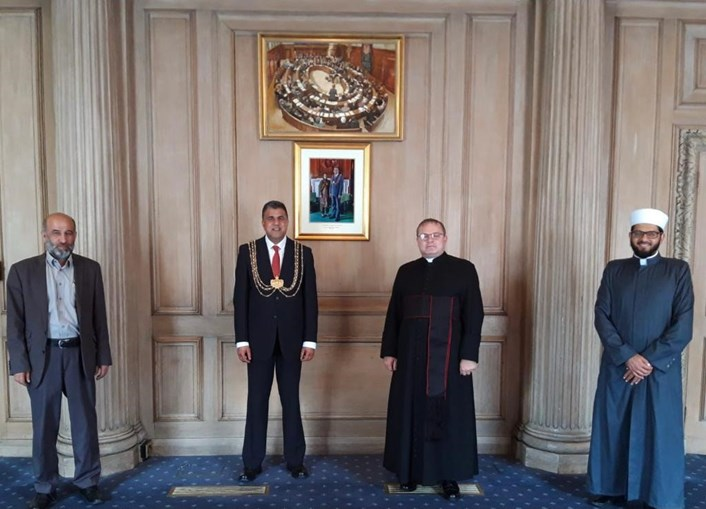 Lord Mayor of Leeds selects multiple chaplains for first time to receive multifaith support and advice: Chaplains