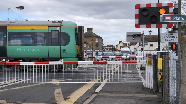 Polegate level crossing to be closed for railway improvements: Polegate Level Crossing