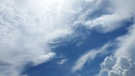 sky-1441936 1920