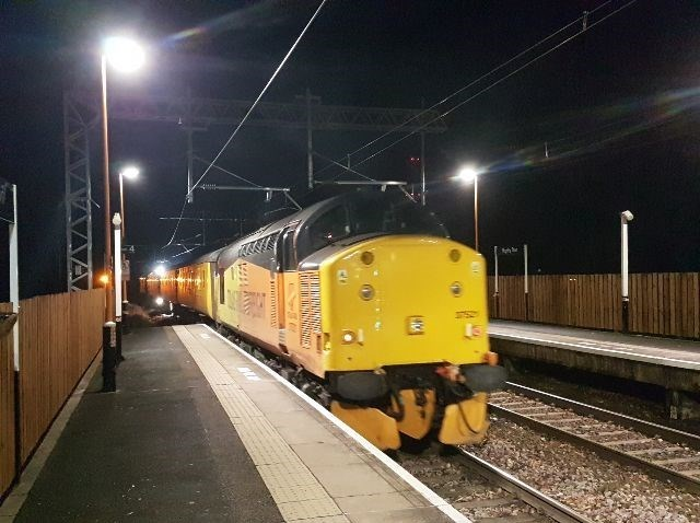 Walsall-Rugeley Electrification: Mentor test train at Rugeley Town