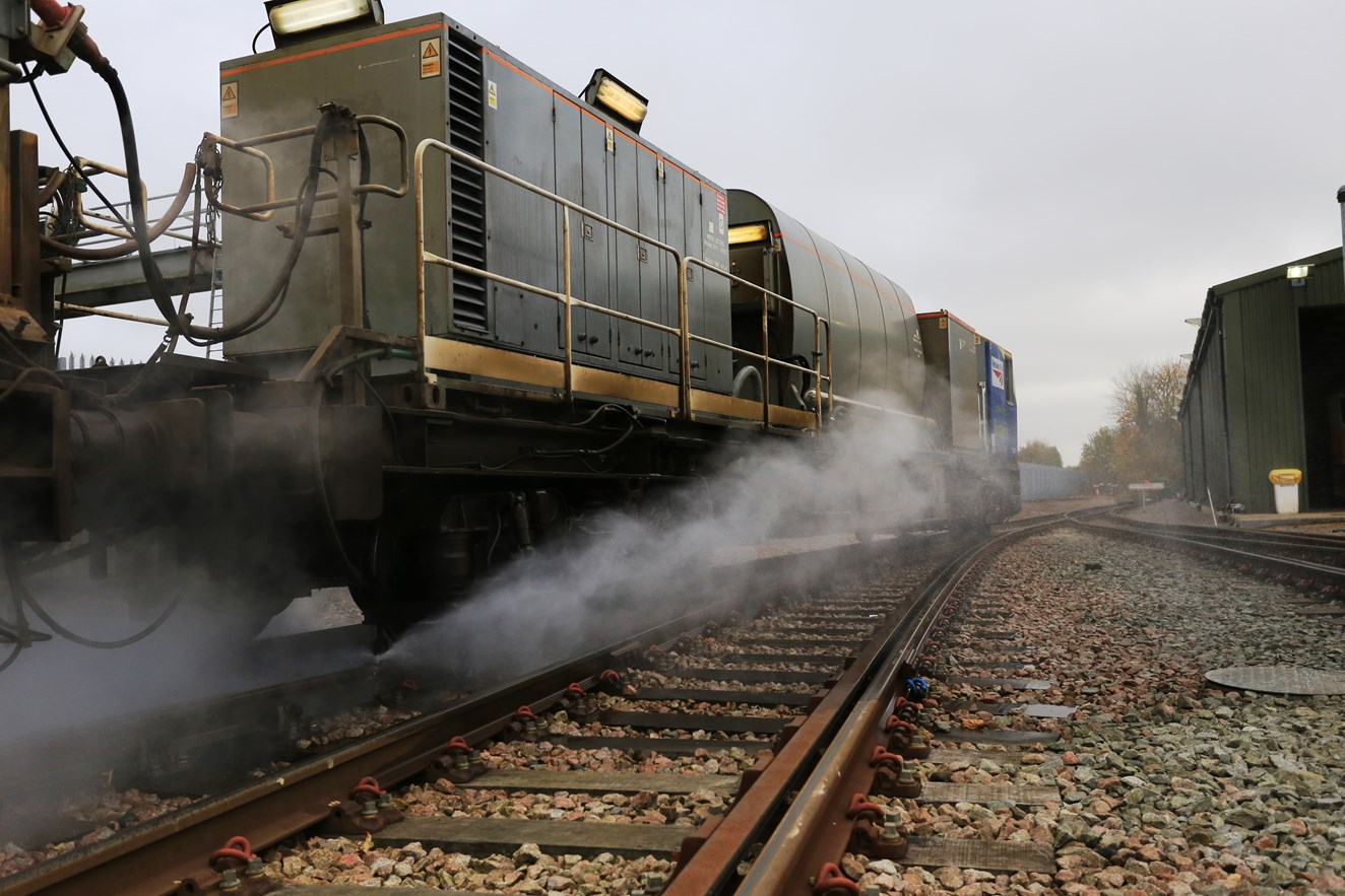 """VIDEO - Why """"leaves on the line"""" is no joke for Network Rail and Southeastern: Leaf-busting train at work, Tonbridge"""