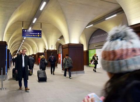 Western Arcade, London Bridge station