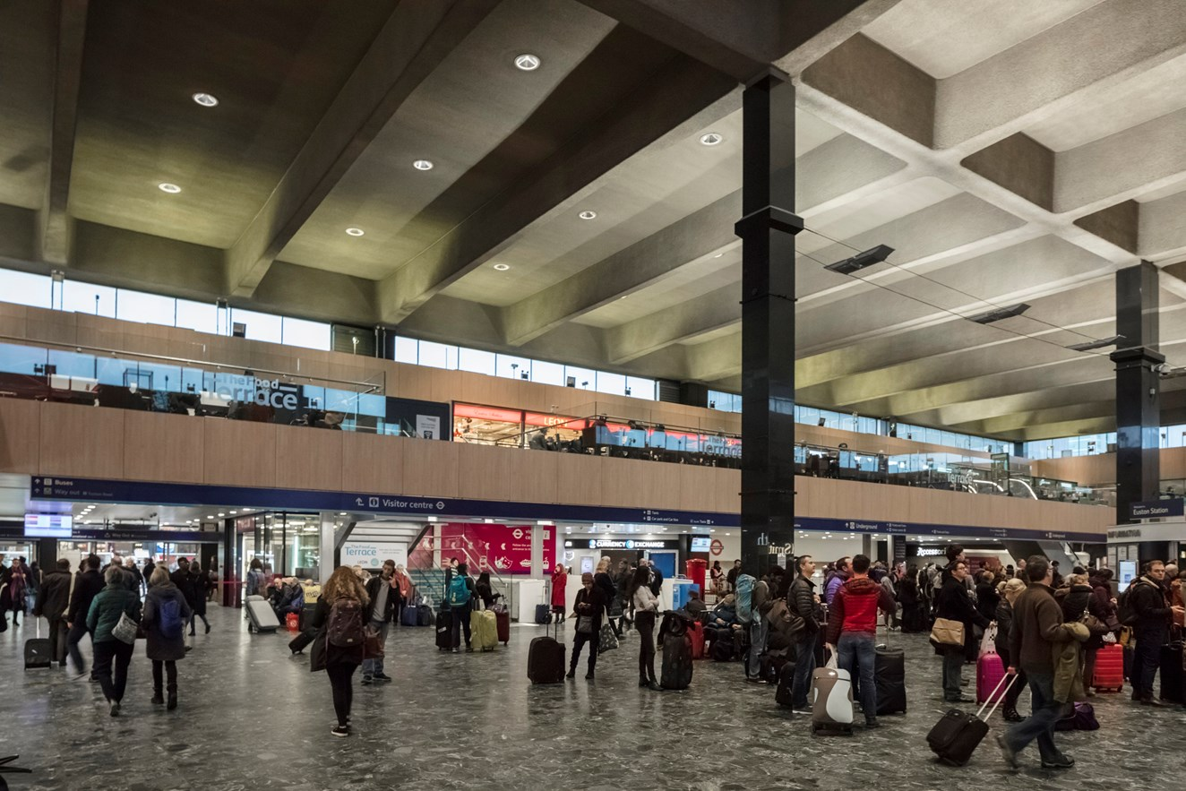 Network Rail to spread Christmas cheer at London Euston station for 200 of London's homeless: Euston station-5