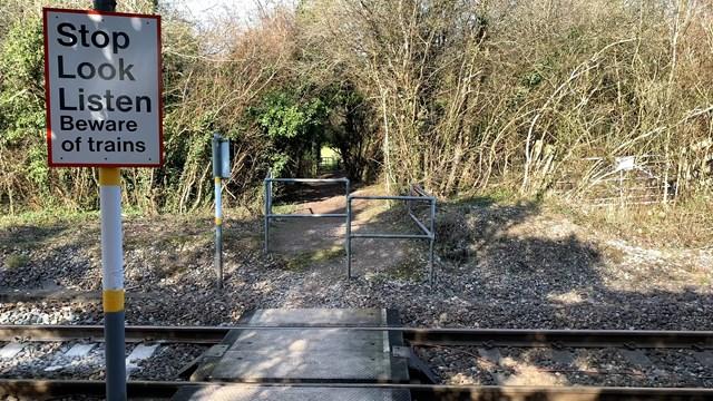 Ridgeway footpath crossing-2