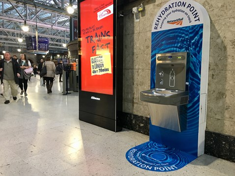 Passengers can now tap-in to free water at Scotland's biggest stations: IMG 6375