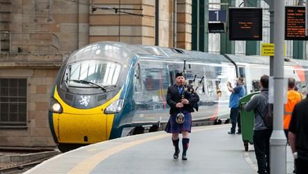 Royal Scot arrives at Glasgow-2