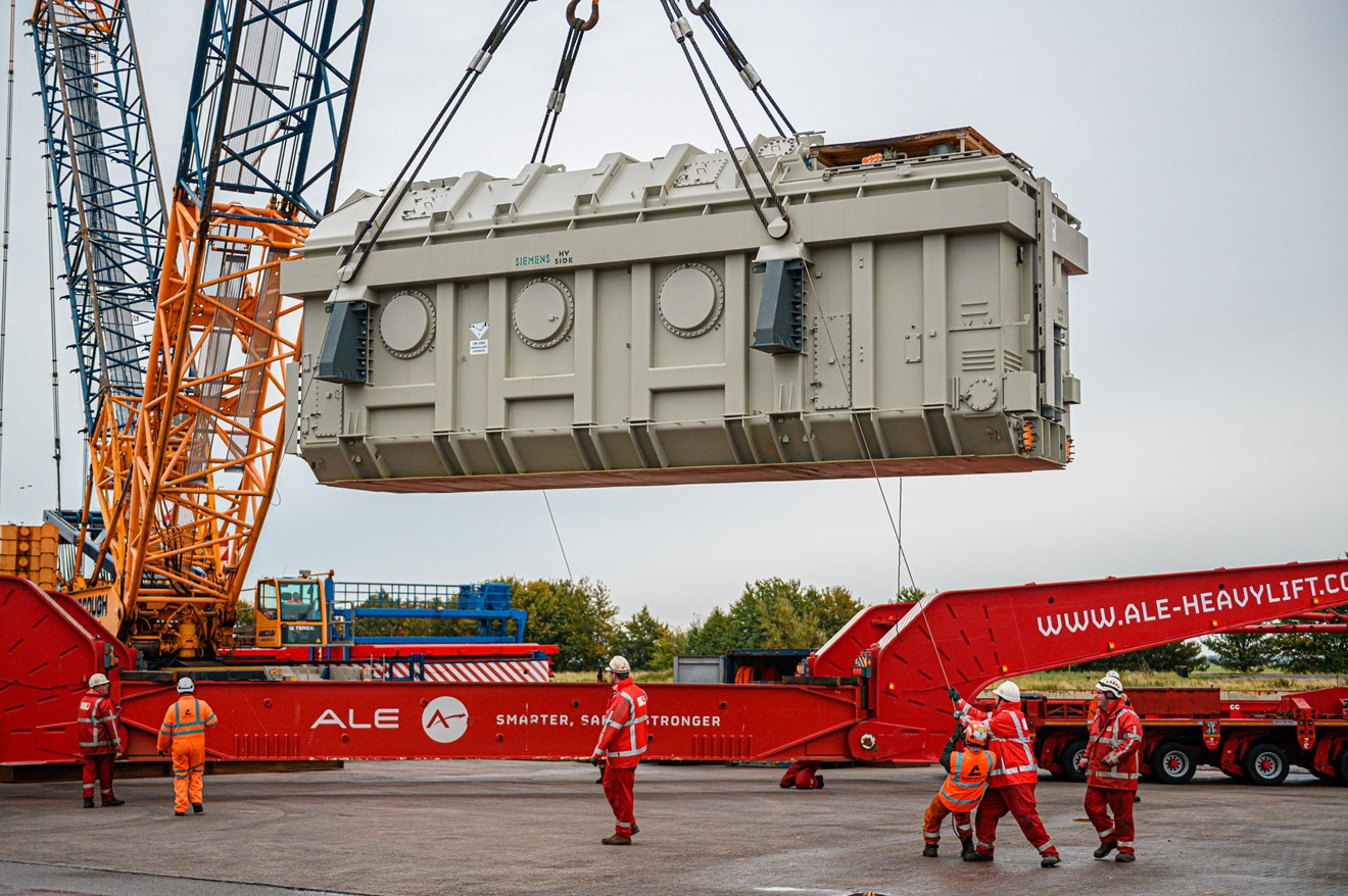 Onshore transformer delivery marks major step forward for Triton Knoll: ZES 6266
