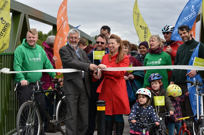 New bridge puts cyclists on the right path : 007.jpg