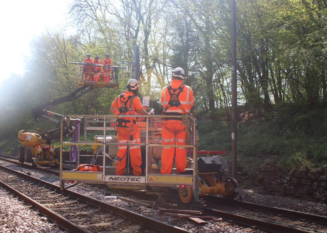 Work to upgrade the Southend Victoria line resumes this weekend: Southend OLE works  2 - May 2019