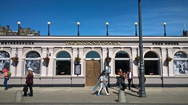 Edinburgh Waverley station records 41% Christmas sales growth: Edinburgh - The Booking Office