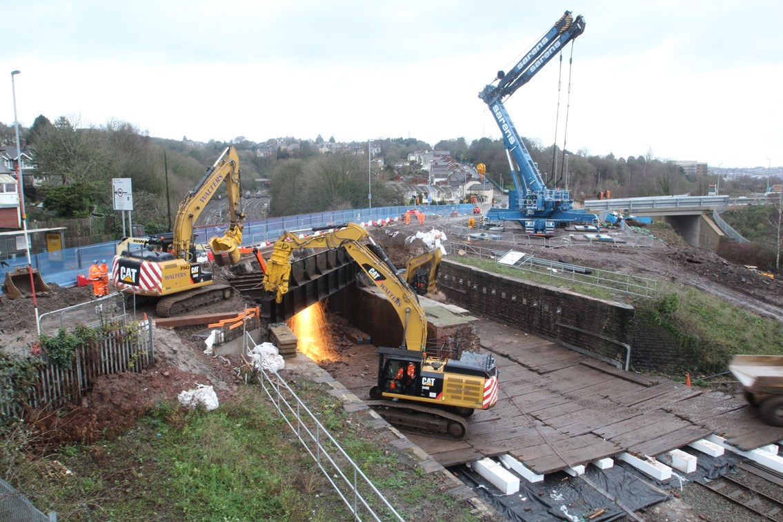 Stunning time-lapse footage captures demolition and reconstruction of Cardiff Road bridge: New video footage has been released capturing a crucial element of the Network Rail project to electrify the South Wales Mainline