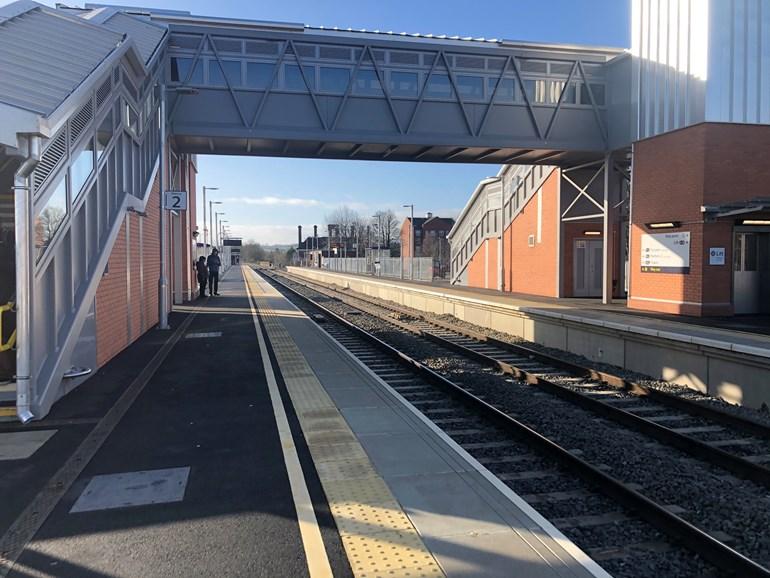 New, longer platform opens at Market Harborough railway station