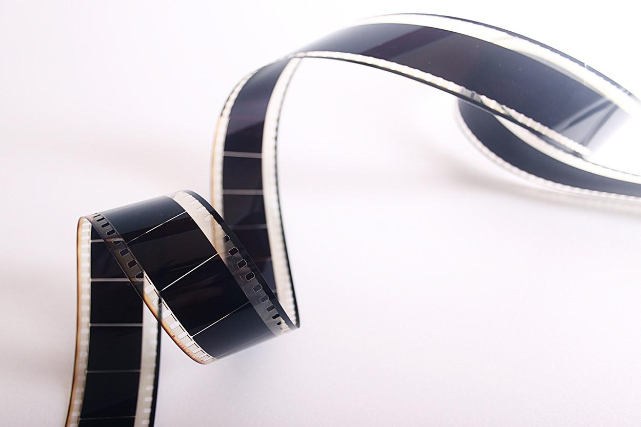 cinema-cinematography-curve-65128-523050.jpg