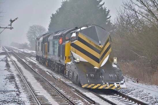 South Western Railway passengers advised to check before they travel tomorrow morning, due to snow and freezing conditions: Snow Plough Train