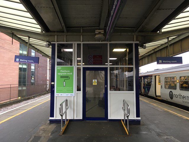 More space for passengers on Manchester Piccadilly station platforms: Piccadilly platforms 13 and 14