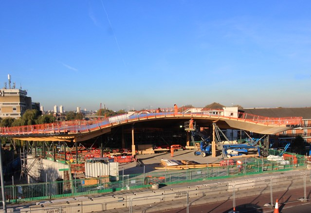 New station at Abbey Wood takes shape: Abbey Wood station roof takes shape 250855 (2)