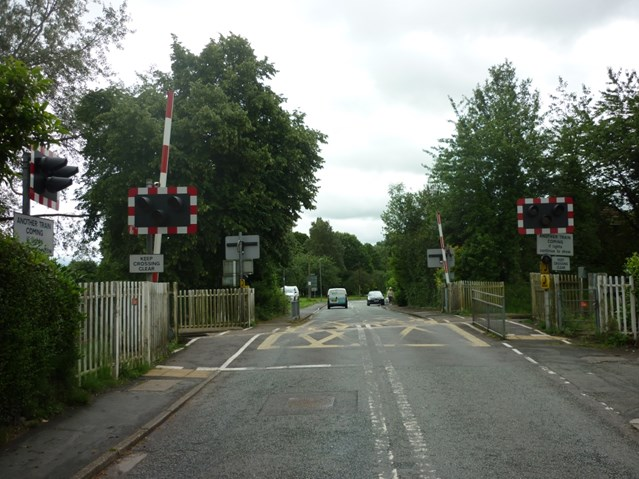 Young people warned of the dangers of playing on the railway following near miss at a Cheshire level crossing: Shrewbridge Road level crossing-2