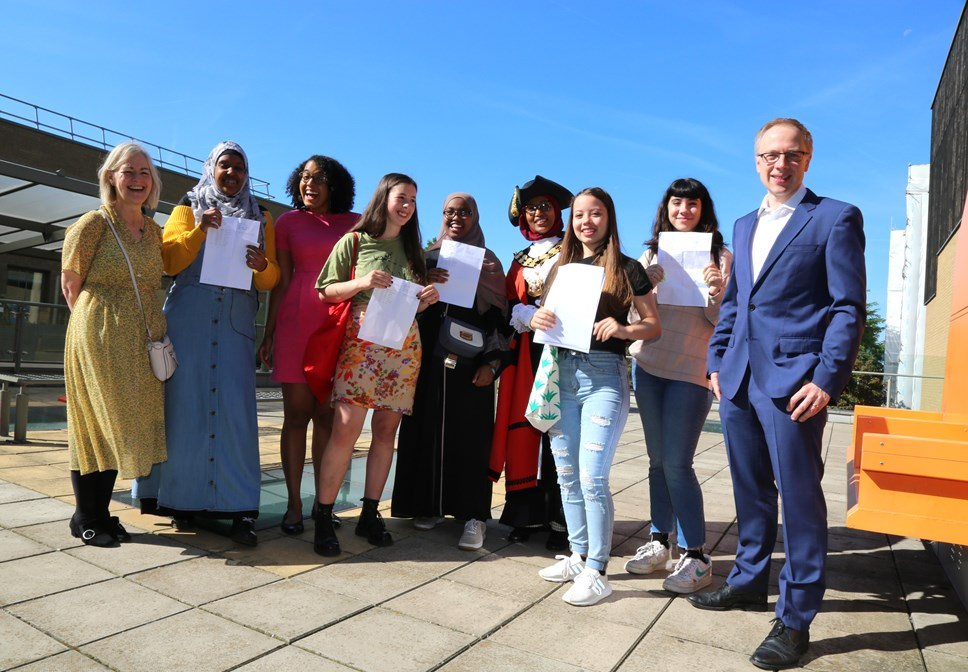 Islington students continue to perform well in their GCSEs this summer, against a backdrop of tougher exams and a new grading system: GCSE results 2019 - EGA