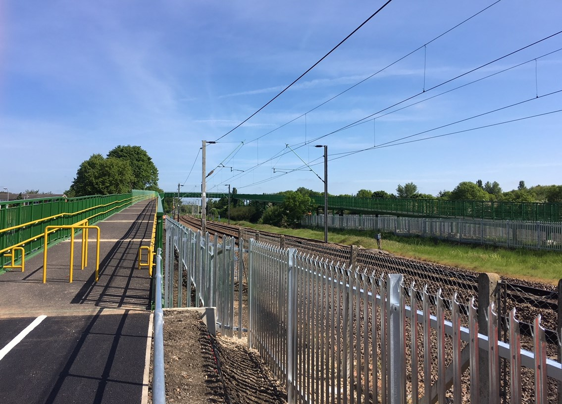 New footbridge opens to public making crossing the railway into the Lea Valley safer: Slipe lane footbridge completed