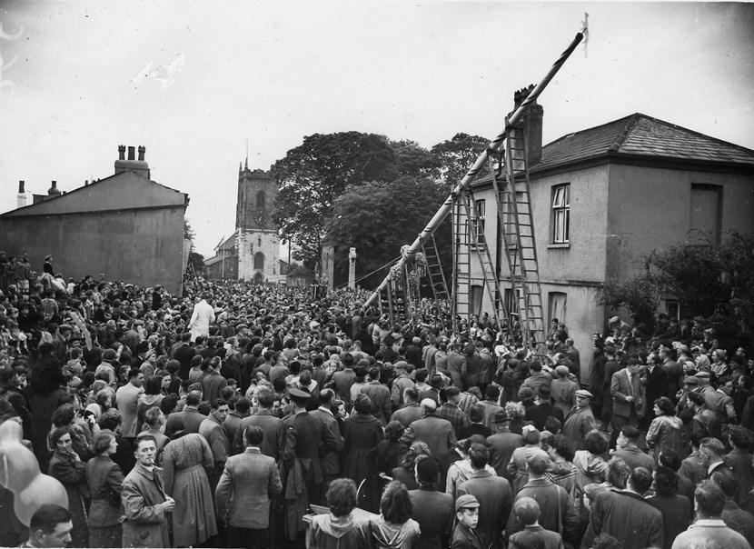 Display looks back at history of Leeds communities: usingropesandladders1954.jpg