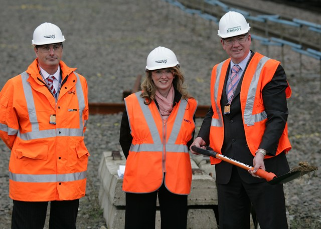 Rail Minister Tom Harris at Luton Airport Parkway: Tom Harris with Thameslink Programme Director Andrew Mitchell and FCC's Managing Director Elaine Holt see the start of work at Luton Airport Parkway