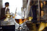 Dram good figures!: Whisky Glass