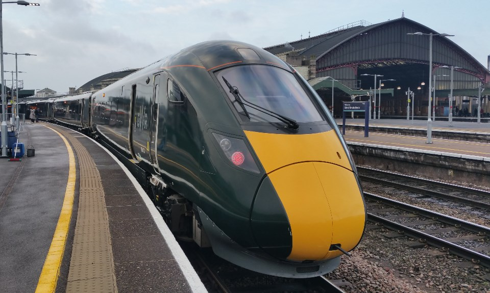 Passengers urged to plan ahead and book early to support rail travel over Christmas period: IET at BTM web