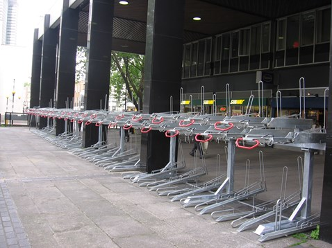 Double-decker cycle racks, Euston