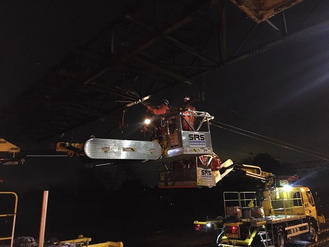 South Kenton wire damage repairs: railway in and out of Euston fully reopens: South Kenton dewirement overnight repairs 2