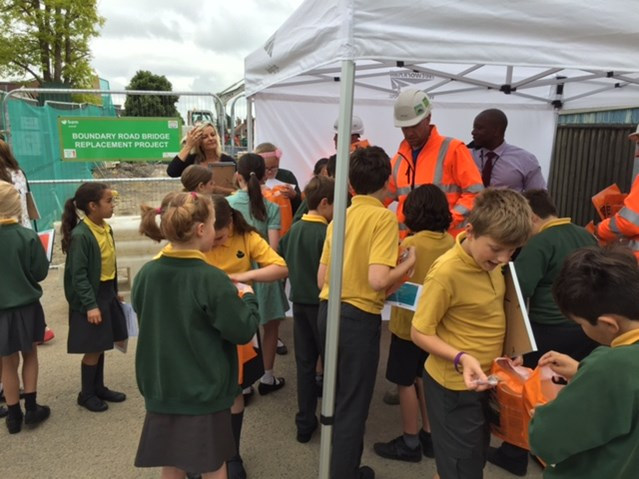Local schoolchildren use artwork to promote safety by the railway in Newbury: St Nicolas School pupils at Boundary road