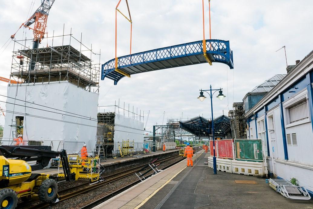 Historic footbridge successfully installed at Stirling station: Stirling stn bridge lift 1