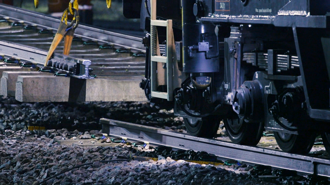 Rail passengers in East Midlands reminded to check before they travel as major upgrade begins on Sunday: Lifting Track-2