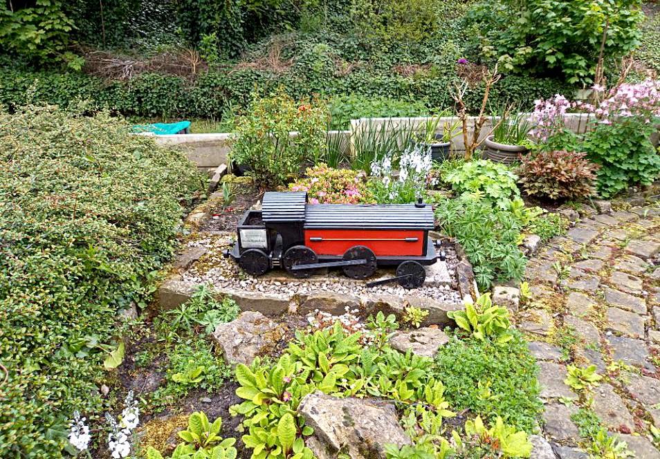 Hindley train