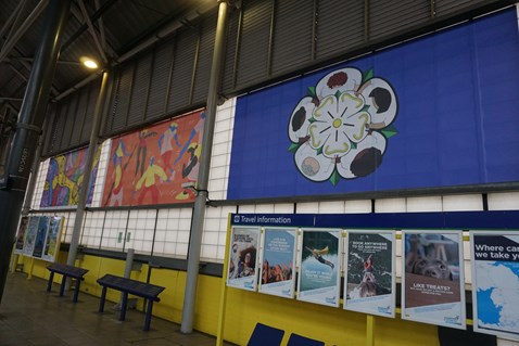 Network Rail brightens up Leeds station with vibrant new art work 2