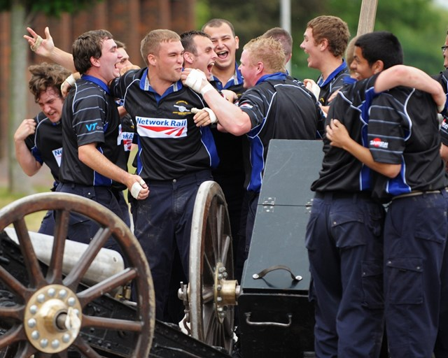 Apprentices taking part in field gun competition 4